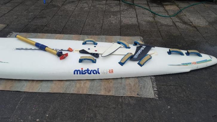 Mistral Equipe LCS-XR Carbon race board