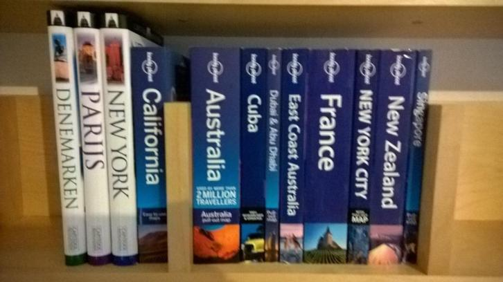 Lonely Planet en Capitool reisgidsen