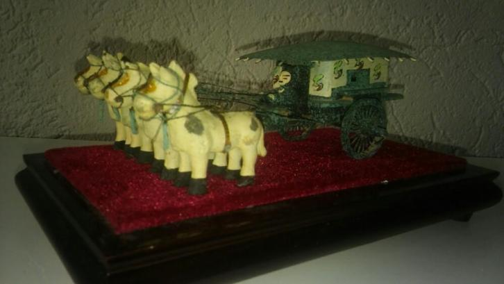 Oude chinese miniatuur Safety-rijtuig Qin Dynasty Exclusief