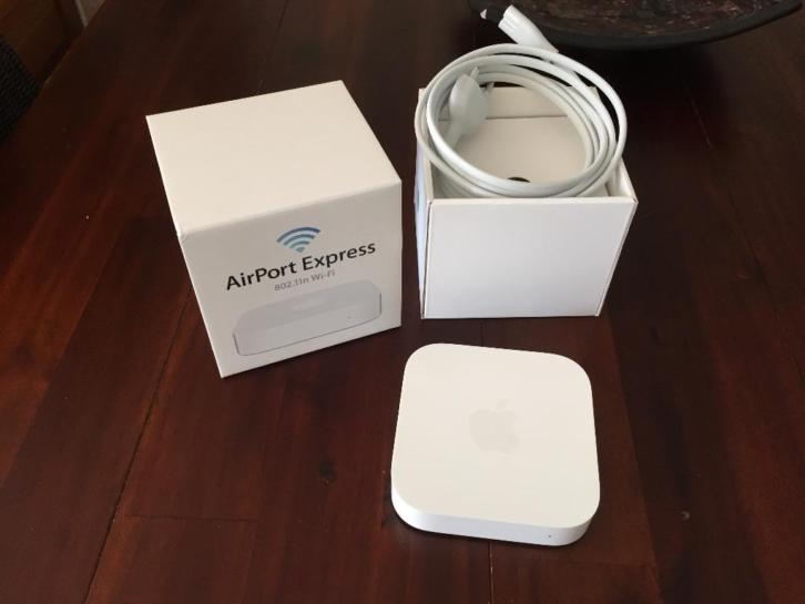 te koop: Apple Airport Express II
