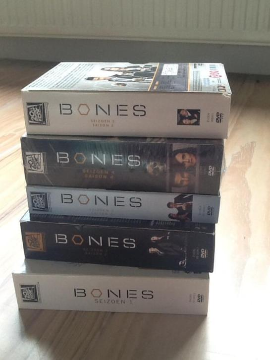 Dvd box Bones seizoen 1 tm 5