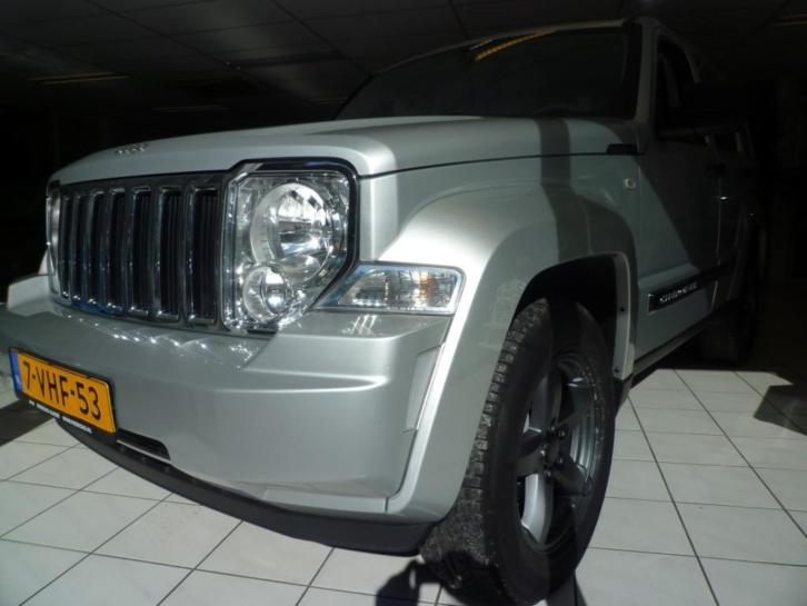 Jeep Cherokee 2.8CRD AWD AUT Limited Heritage (bj 2010)