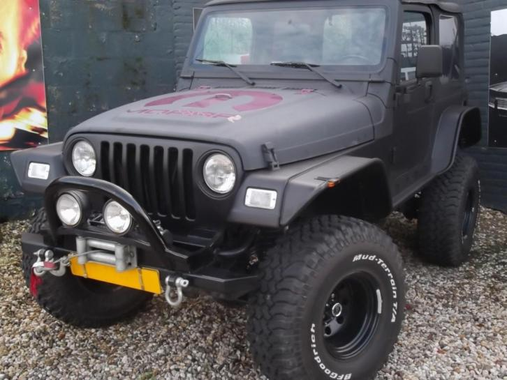 Jeep Wrangler *THE BLACK LOUD & DIRTY* (bj 1998)