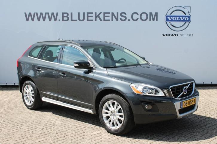 Volvo XC60 2.4D AWD MOMENTUM - Automaat - Leder - Climate Co