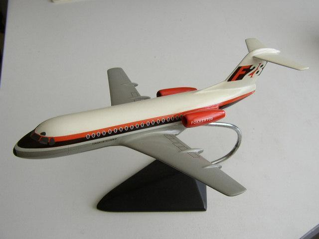 Model Fokker F-28 Fellowship door M.Verkuyl Badhoevedorp