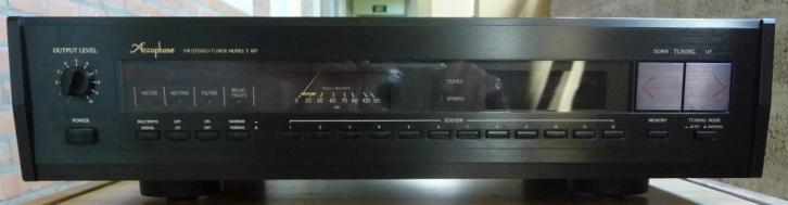 Accuphase Tuner T-107