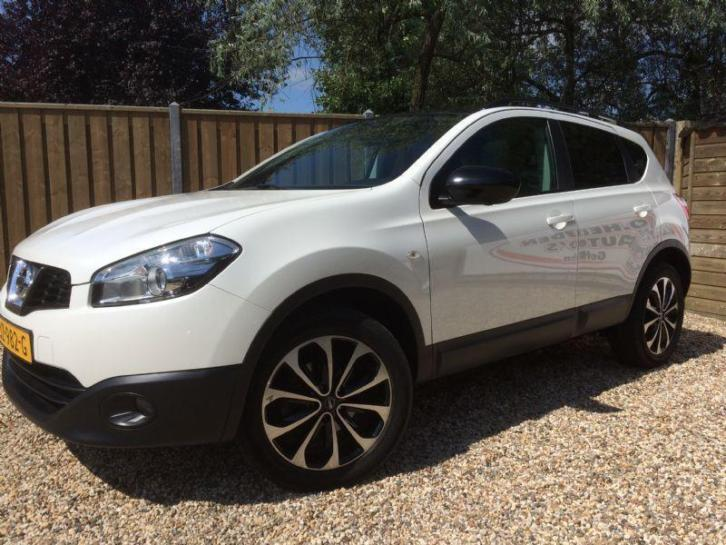 Nissan Qashqai 1.6 Connect Edition automaat (bj 2013)
