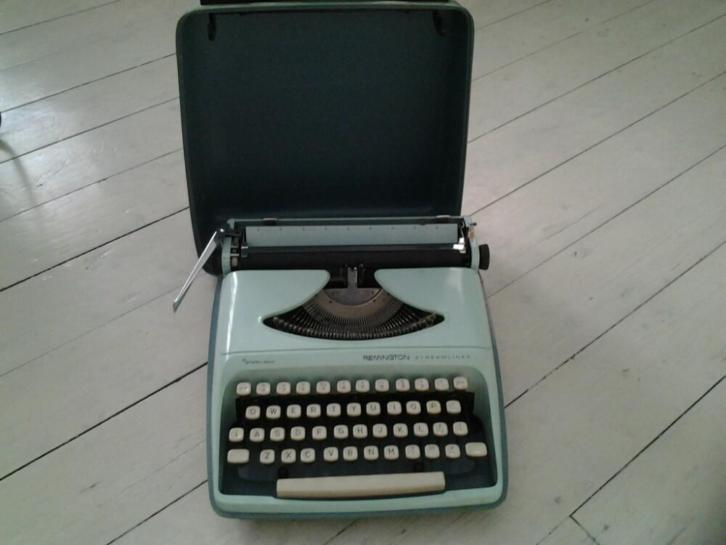 Retro typemachine Remington mintgroen