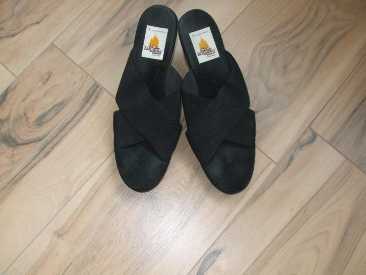 san miquel shoe zwart open slipper €10,00