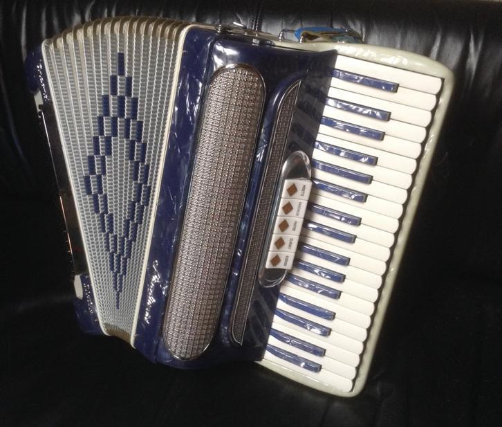 Stradivari accordeon