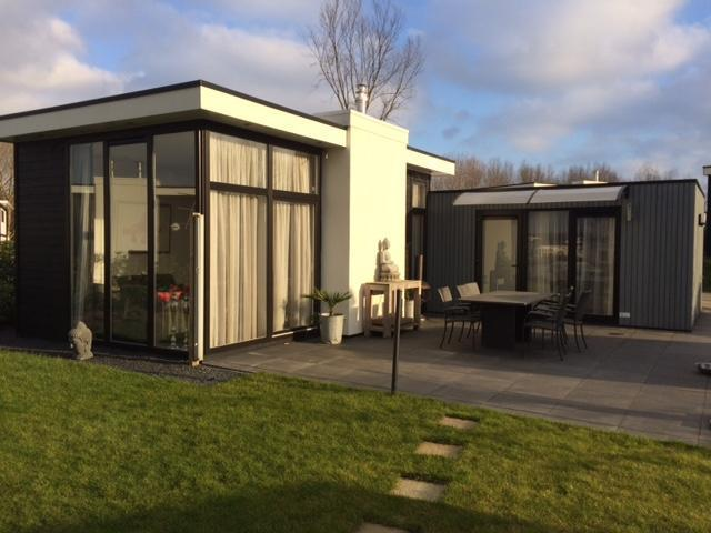 Recreatiewoning/ Chalet type L Cube Droompark Spaarnwoude