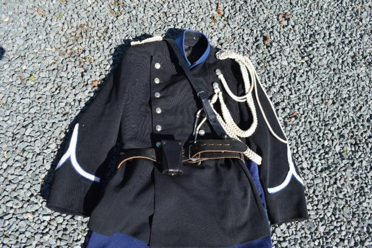 Marechaussee uniform model prè 1940