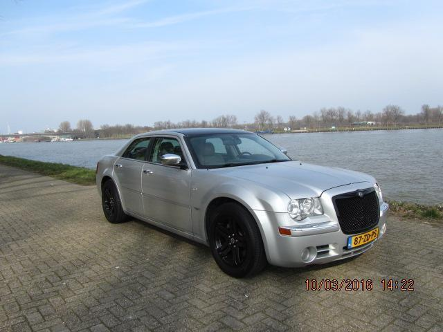 Chrysler 300C 3.0 V6 CRD AUT5 LEER NAVI BENTLEY-LOOK