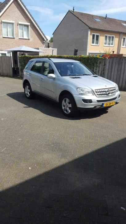 Mercedes M-Klasse 3.0 CDI Ml320 4MATIC AUT 2006 Grijs