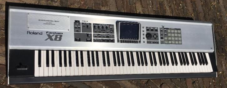 Roland Fantom X8 Workstation / Digitale piano