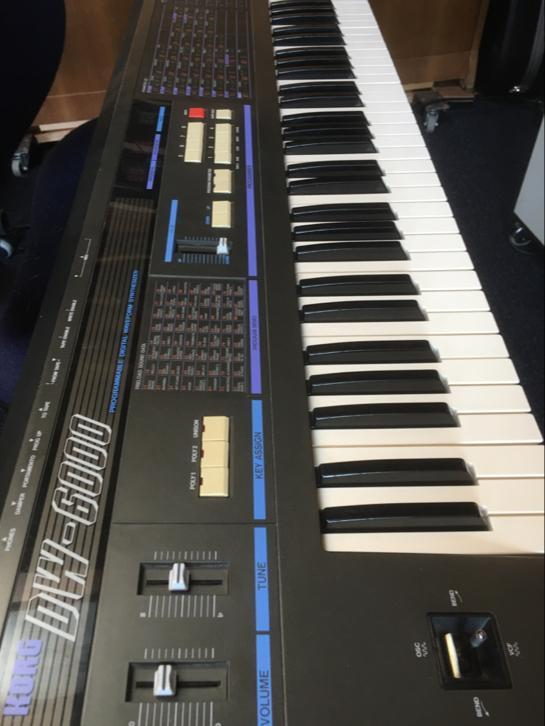 Korg DW 6000 synth