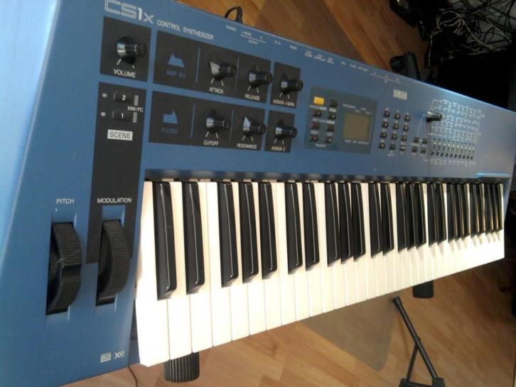 Yamaha CS1x met Flightcase