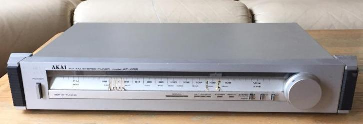 Akai FM AM Stereo Tuner model At-K02.