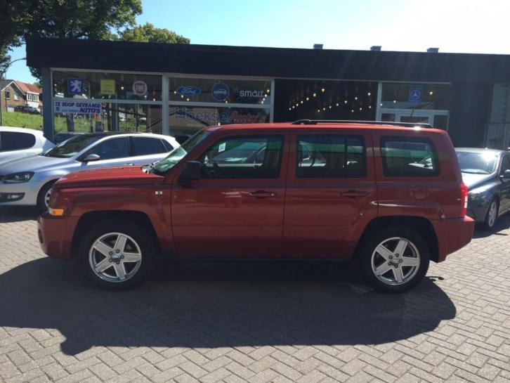 Jeep Patriot 2.4 SPORT LIBERTY 4WD 82000KM! AIRCO! IN TOPSTA