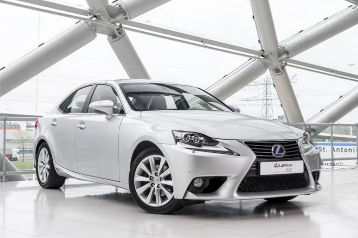Lexus IS 300H FIRST EDITION (bj 2013, automaat)