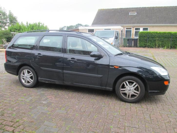 Ford Focus Wagon 1.6-16V TREND (bj 2001)