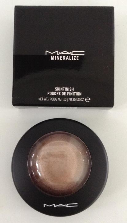 MAC highlighter Cheeky Bronze