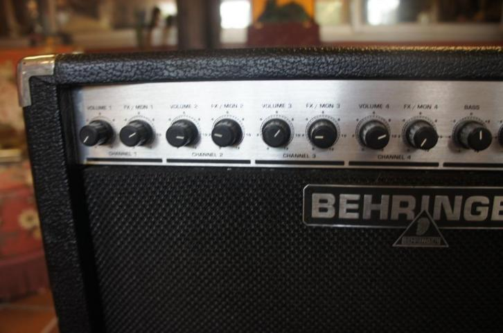 Behringer KX1200 Keyboard AMP / PA System 120 Watts