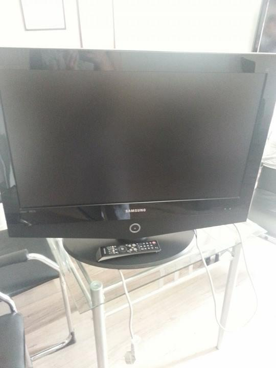 Samsung LCD TV (32'' inch) HD Ready