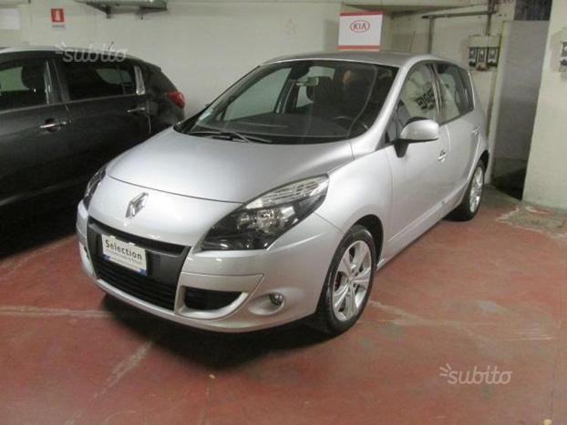 RENAULT Scenic xmod 15 dci Luxe 110cv